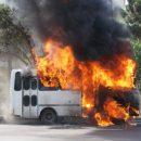 Пассажирский автобус сгорел на Васильевском острове в Петербурге