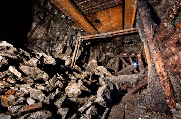 В Ростовской области скончался горняк при обрушении в шахте