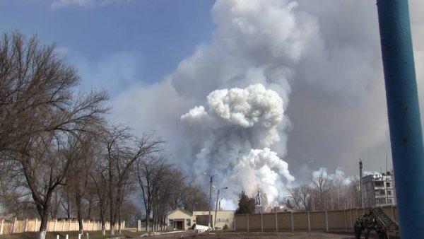 Деревянный склад с продуктами загорелся в Иркутской области