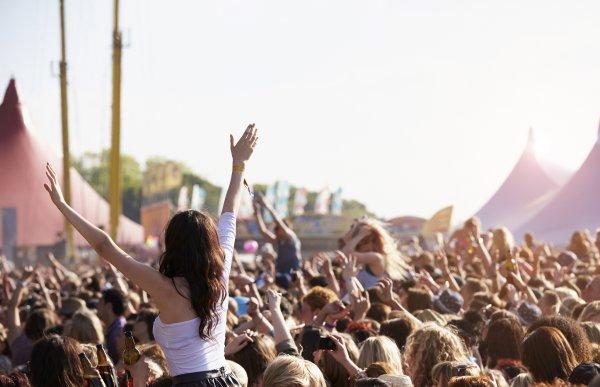 На музыкальном фестивале в Великобритании скончалось два человека