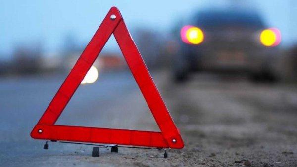 Начальник ГИБДД  Протвино протаранил автомобиль и скрылся с места аварии на Mercedes