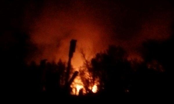 В поселке Хакасии пожар в магазине охватил тысячу квадратных метров