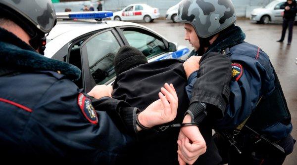 Пьяный череповчанин ударил полицейского в лицо головой