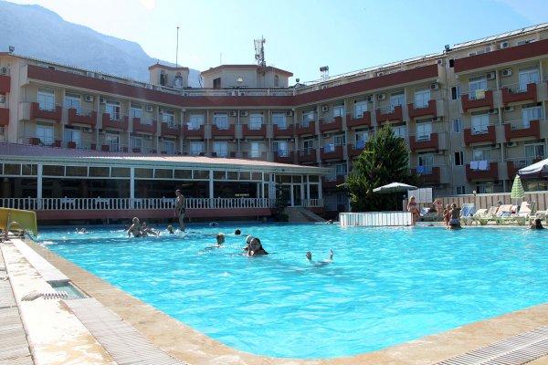 В гостинице в Ереване постояльцы массово пострадали из-за отравления хлоркой