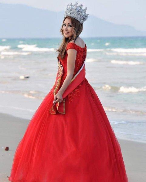Страшная смерть: В автокатастрофе погибла победительница конкурса «Мисс мира»
