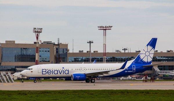 Во время посадки в Костанае самолет выехал за пределы полосы