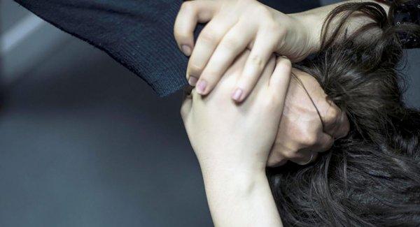В Кемерово музыкальный руководитель схватила ребенка за волосы из-за неудачного танца