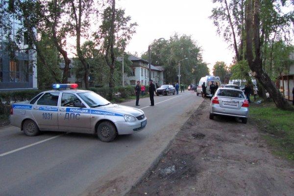 В Ленобласти машина «Почты России» влетела в молоковоз