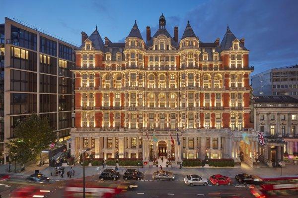 В центре Лондона горит пятизвездочный отель Mandarin Oriental