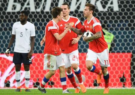 Сборная России по футболу опустилась на 70-е место в рейтинге ФИФА