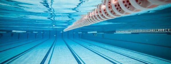 В Ленинградской области в бассейне на детей обрушился потолок