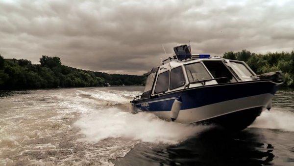 В Хабаровском крае представители речной полиции хотели справить нужду на нарушителей