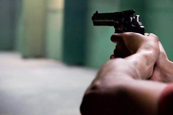 Полиция применила оружие из-за вооруженного человека в Хельсинки