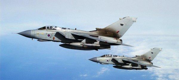 В небе над Италией два истребителя преследовали НЛО