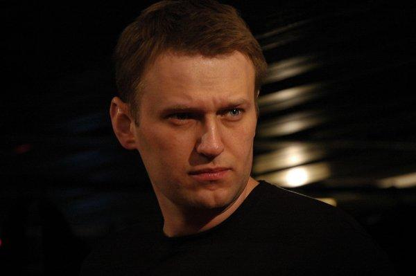 Навальный вышел на свободу после 30-дневного ареста