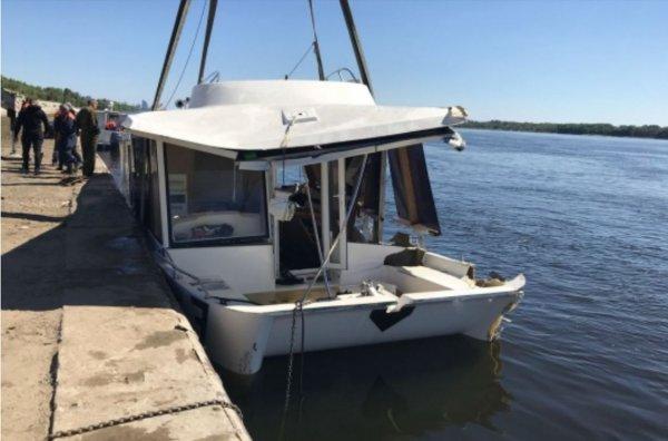В Волгограде выпустившую затонувший катамаран лодочную станцию закрыли