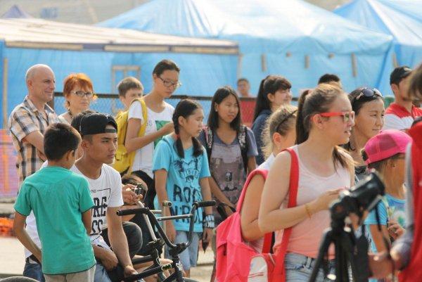 Голая девушка порадовала гостей летнего фестиваля в Якутии