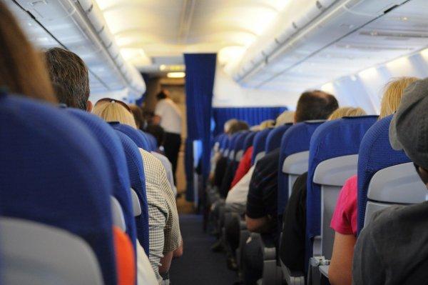 Пьяный пассажир устроил драку в самолете рейса Япония - Лос-Анджелес