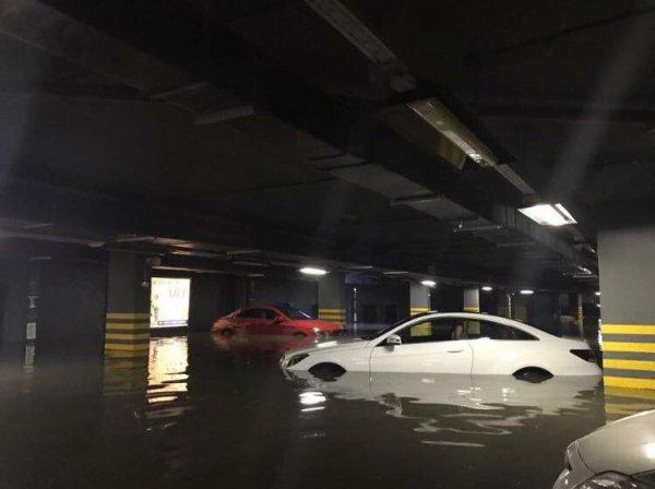 В Белгороде автопарк затопило фекалиями