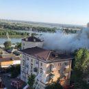 В Ростове-на-Дону загорелся жилой четырехэтажный дом