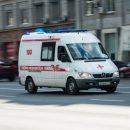 В Москве сорванный ветром рекламный щит ударил школьницу по голове