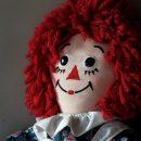 Одержимую куклу Аннабель обнаружили в магазине игрушек
