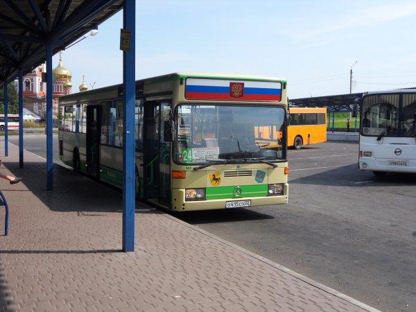 В Алтае в автобусе кондуктор и водитель насильно удерживали пенсионерку