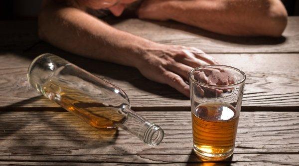 В Ленинградской области подросток отравился спиртным