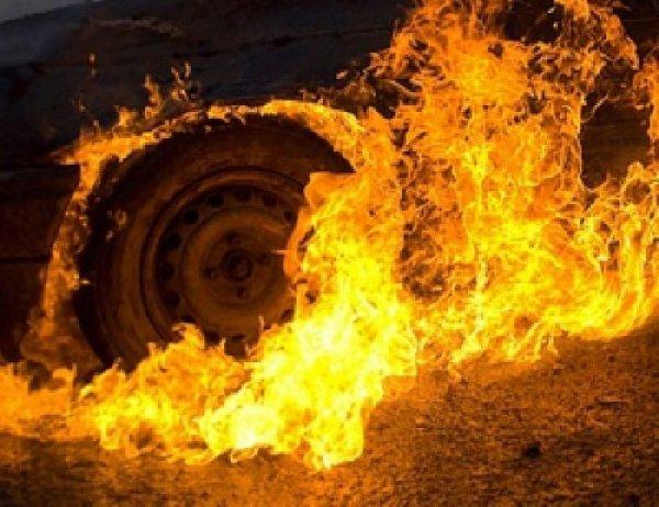 Из-за горящего бензовоза на трассе Москва – Санкт-Петербург перекрыто движение