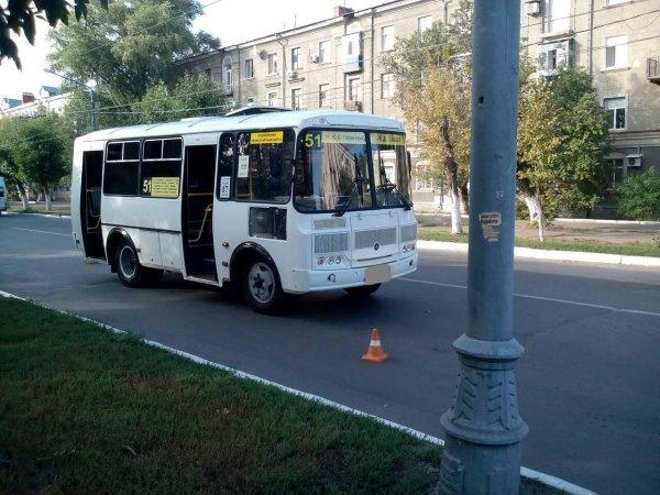 В Воронеже при резком торможении автобуса пассажирка ударилась головой