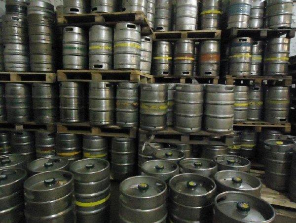 У Воронежского водителя украли 10 тонн пива в Москве