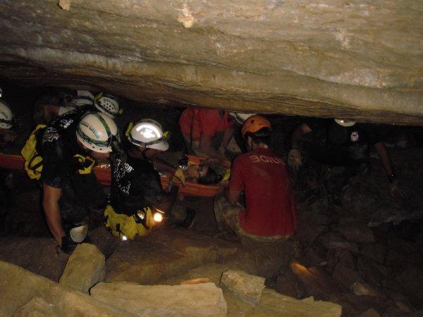 Признаки инфекции нашли у всех спасённых из пещеры в Таиланде детей