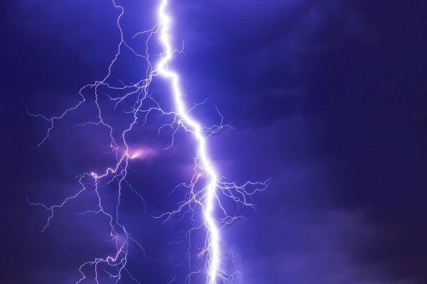 Во Владимирской области туристка погибла после удара молнией