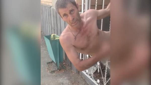 Застрял между мирами: В Ростове-на-Дону голый экстрасенс не смог пройти сквозь забор