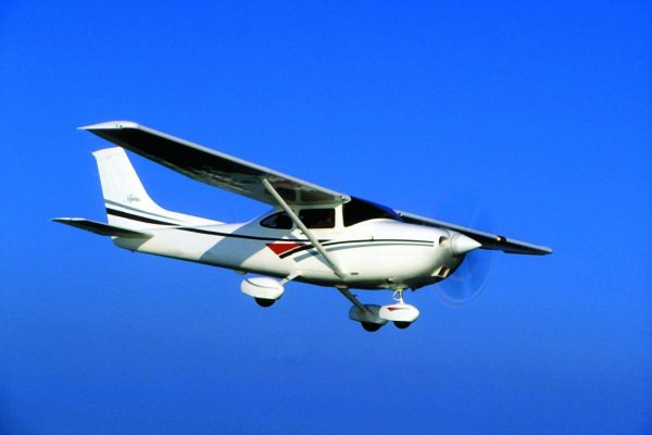 В Кировской области совершил жесткую посадку легкомоторный самолет