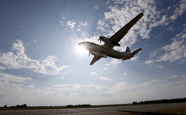 На Аляске самолет с десятью пассажирами упал в горах