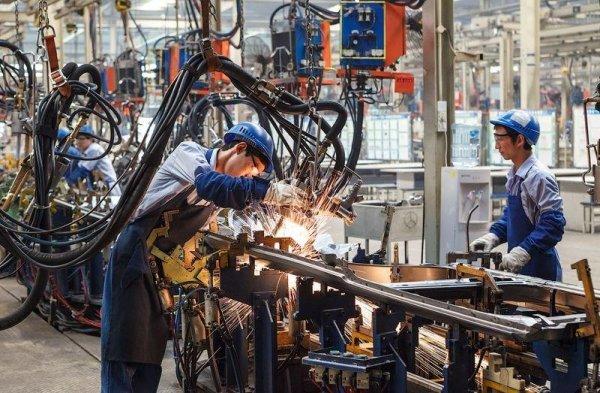 В результате взрыва на химзаводе в Китае погибли 19 рабочих