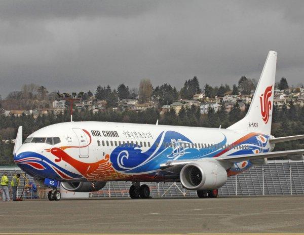 Пассажиры самолета лишились кислорода из-за курения пилота во время полета