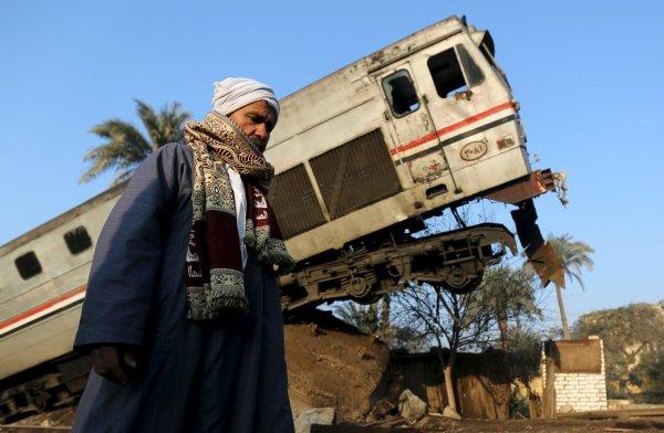 Более 50 человек пострадали в аварии с поездом в Египте