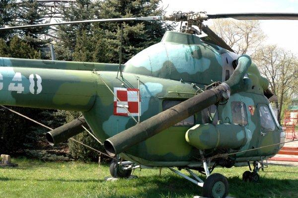 На Украине пьяный пилот на вертолете зацепил ЛЭП и оставил пять сел без электричества