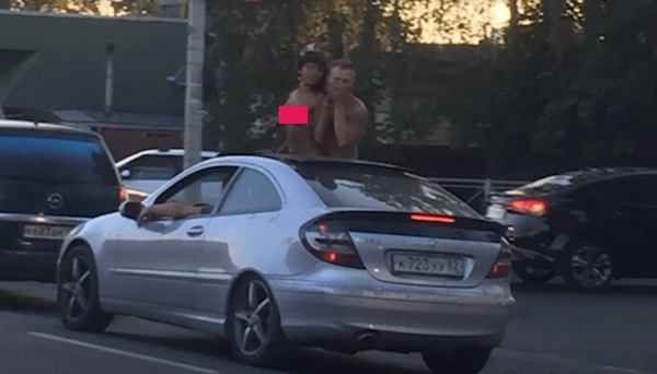 В Ленобласти развратная парочка занялась сексом в автомобильной пробке