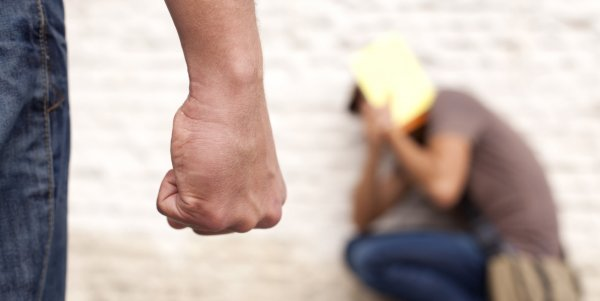 В Ленинградской области школьники избили сверстника из-за ссоры в интернете