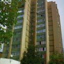 В Петербурге рабочий спас висящую на карнизе 9 этажа девочку