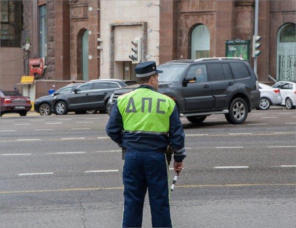 Полицейские заставили москвича жить в машине пять дней