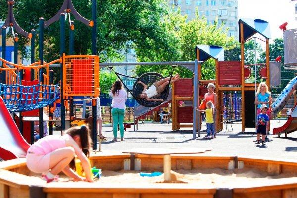 Массовая драка на детской площадке возникла из-за очереди на тарзанку