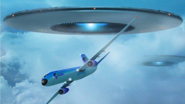 Атака НЛО: В Якутске пришельцы внезапно напали на самолет