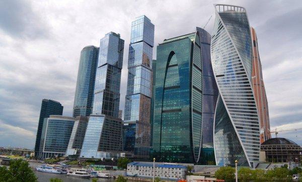 Мойщик окон сорвался с 30 этажа башни в «Москва-Сити»