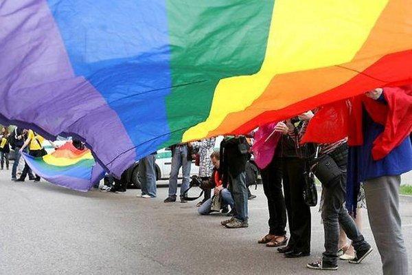 Полиция в Петербурге задержала десятки ЛГБТ-активистов
