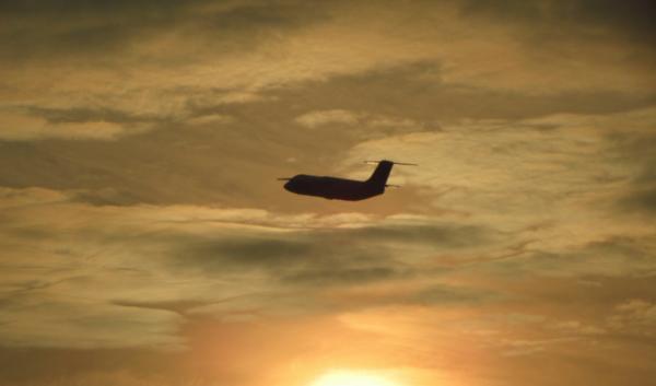 Самолет успешно сел в аэропорту Брюсселя с одним работающим мотором