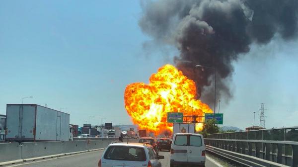 По последним данным от взрыва бензовоза в Болоньи пострадали не менее 70 человек